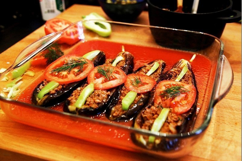 Turkish Recipes > Split Belly Eggplant – Karniyarik